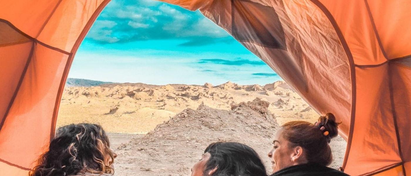 Planeje um Acampamento Confortável com os 10 Produtos Indicados pela Travel Blogger Tainá Teles