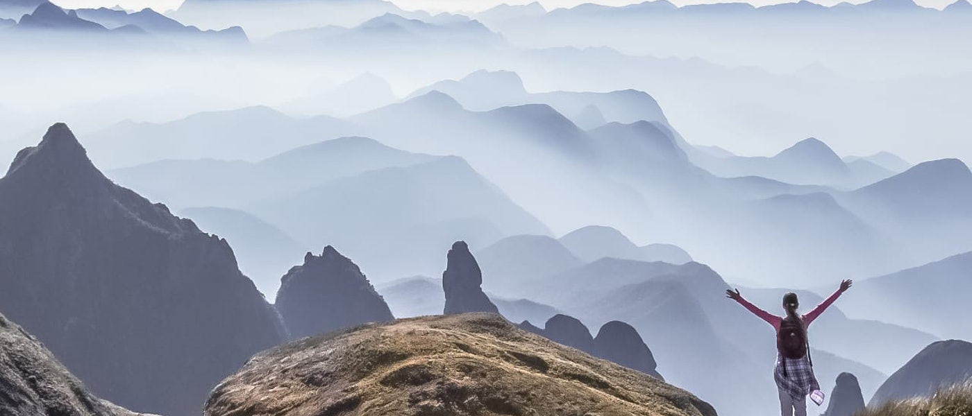 O Que Levar na Mochila para Trilha de um Dia: 10 Itens Favoritos da Montanhista Vivian Teles