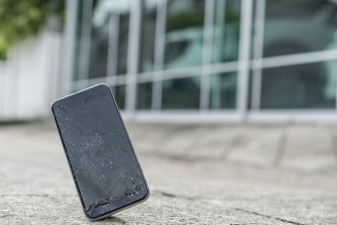 Capas para iPhone X Antiqueda São as Mais Eficientes para Amortecer o Impacto