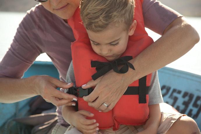 Como Usar Colete Salva-Vidas Infantil?