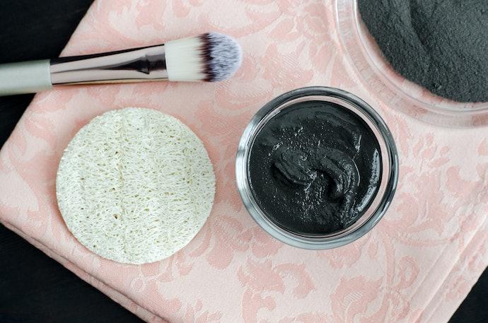 Escolha Entre Argila Preta em Pó ou Máscara de Argila