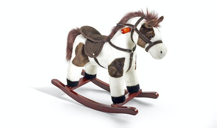 Prefira Cavalos de Brinquedo Feitos com Materiais Resistentes e Confortáveis