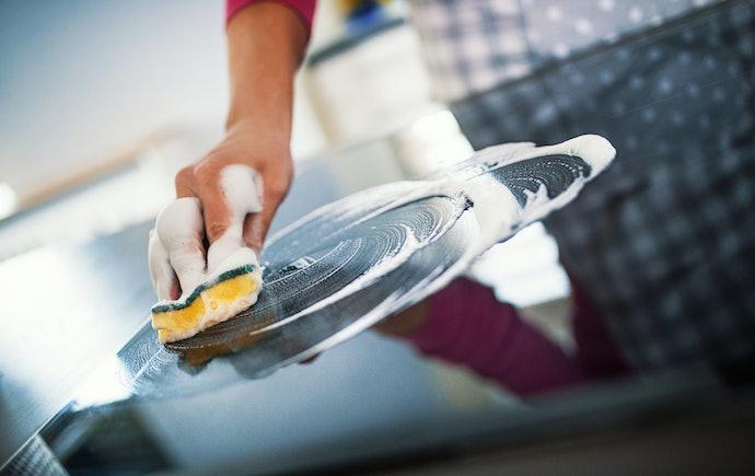 Como Limpar um Fogão com Mesa de Vidro Corretamente?