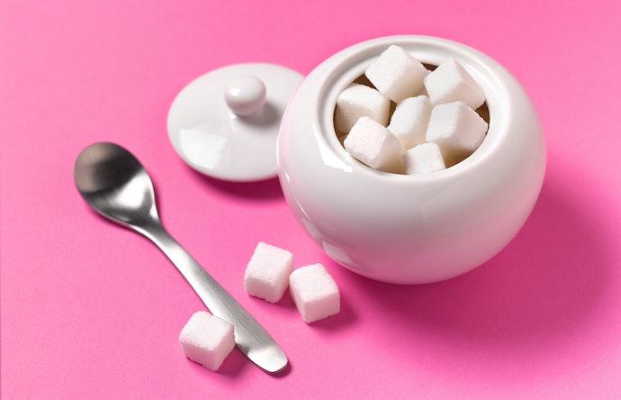 Porcelana, Vidro e Inox Protegem Melhor o Açúcar da Umidade
