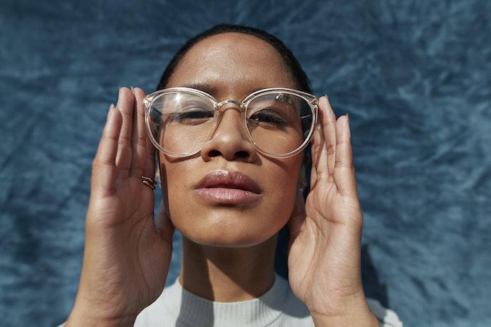 Os Materiais dos Óculos de Grau Oakley Afetam o Peso e Aderência ao Rosto