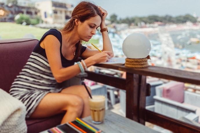 Vai Pintar em Outros Lugares? Considere as Dimensões do Livro em Relação à sua Bolsa