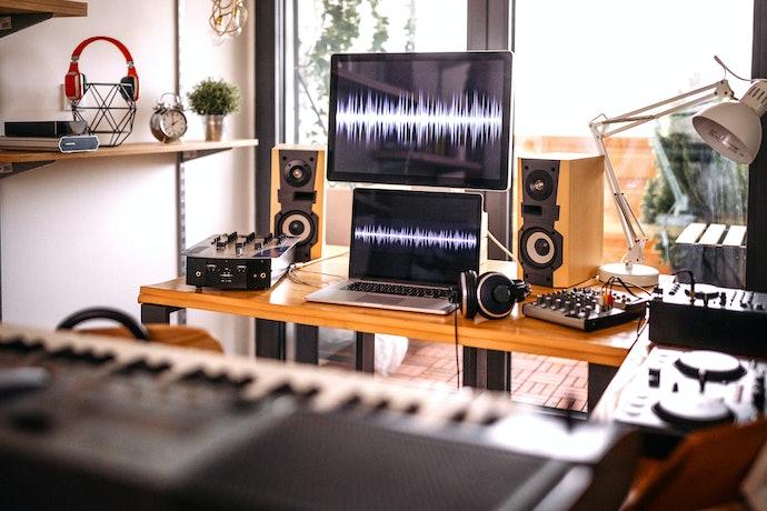 Escolha Entre Caixa de Som e Monitor de Áudio