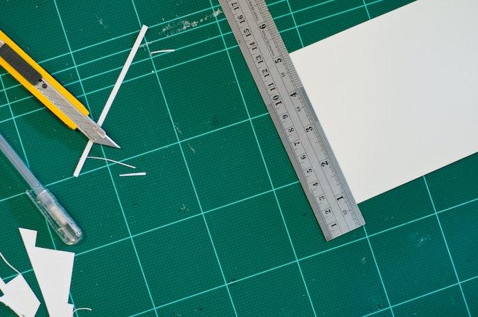 Escolha o Tipo de Régua Adequado para Trabalhar com Papel ou Tecido
