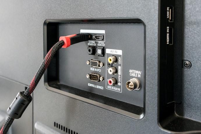 Para Garantir Conexão com Outros Dispositivos, Veja o Número de Entradas da TV