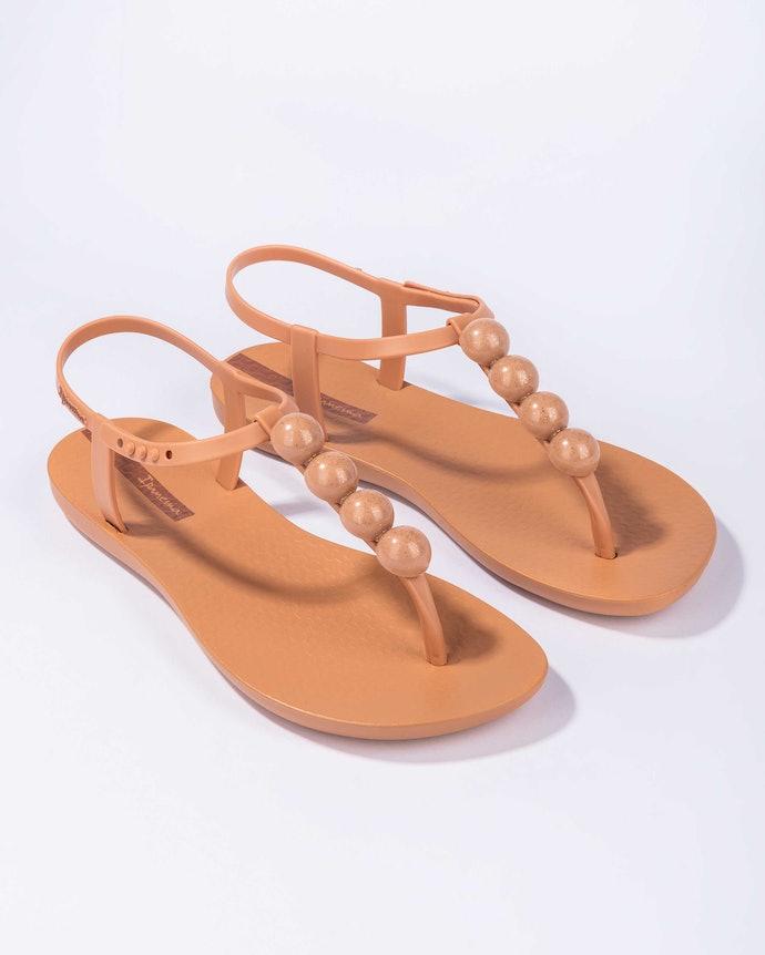 Sandálias Rasteiras: Mais Elegantes e Diversificadas