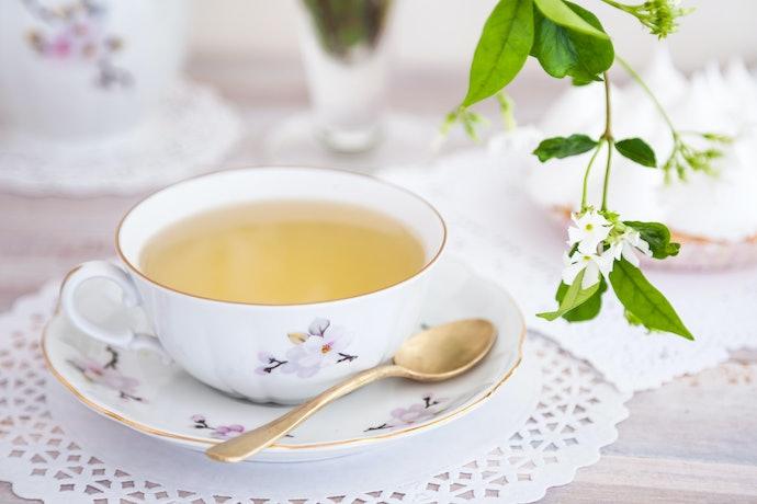 Prefira Xícaras de Chá de Porcelana ou Cerâmica