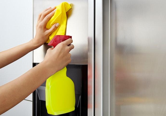 Como Limpar Geladeira Inox?