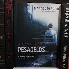 Best-Sellers: Veja 11 Livros de Ficção que Você Precisa Conhecer 5