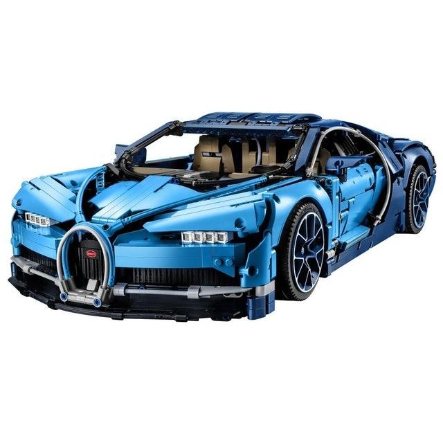 LEGO  Technic Bugatti Chiron 1