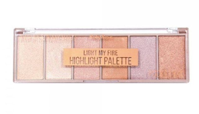 RUBY ROSE  Paleta de Iluminadores Light My Fire 1